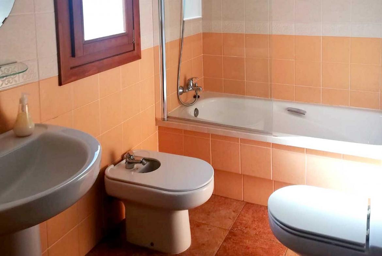costa-esuri-net-LE111-bath