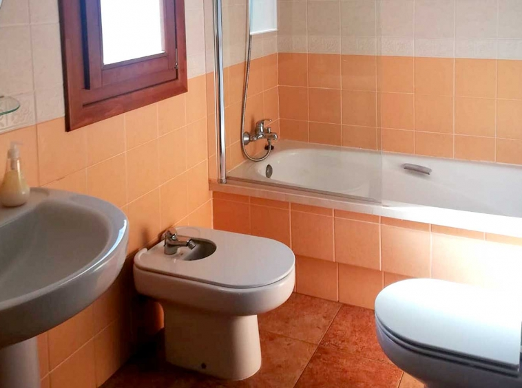 costa-esuri-net-LE111-bath